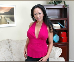 Asian MILF Kitty Langdon..